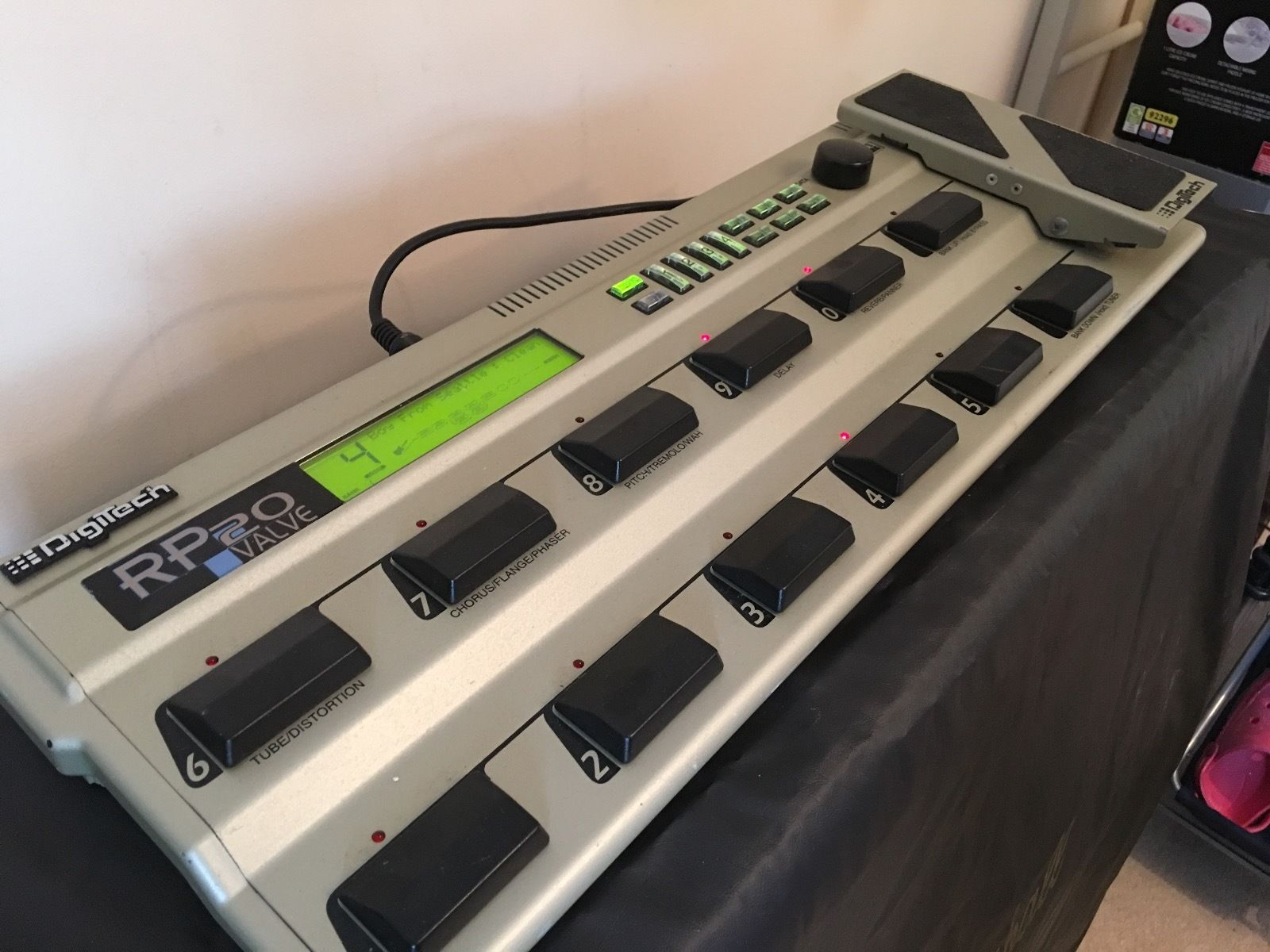 digitech rp20 valve multi guitar effect board power supply great condition rare guitar of china. Black Bedroom Furniture Sets. Home Design Ideas