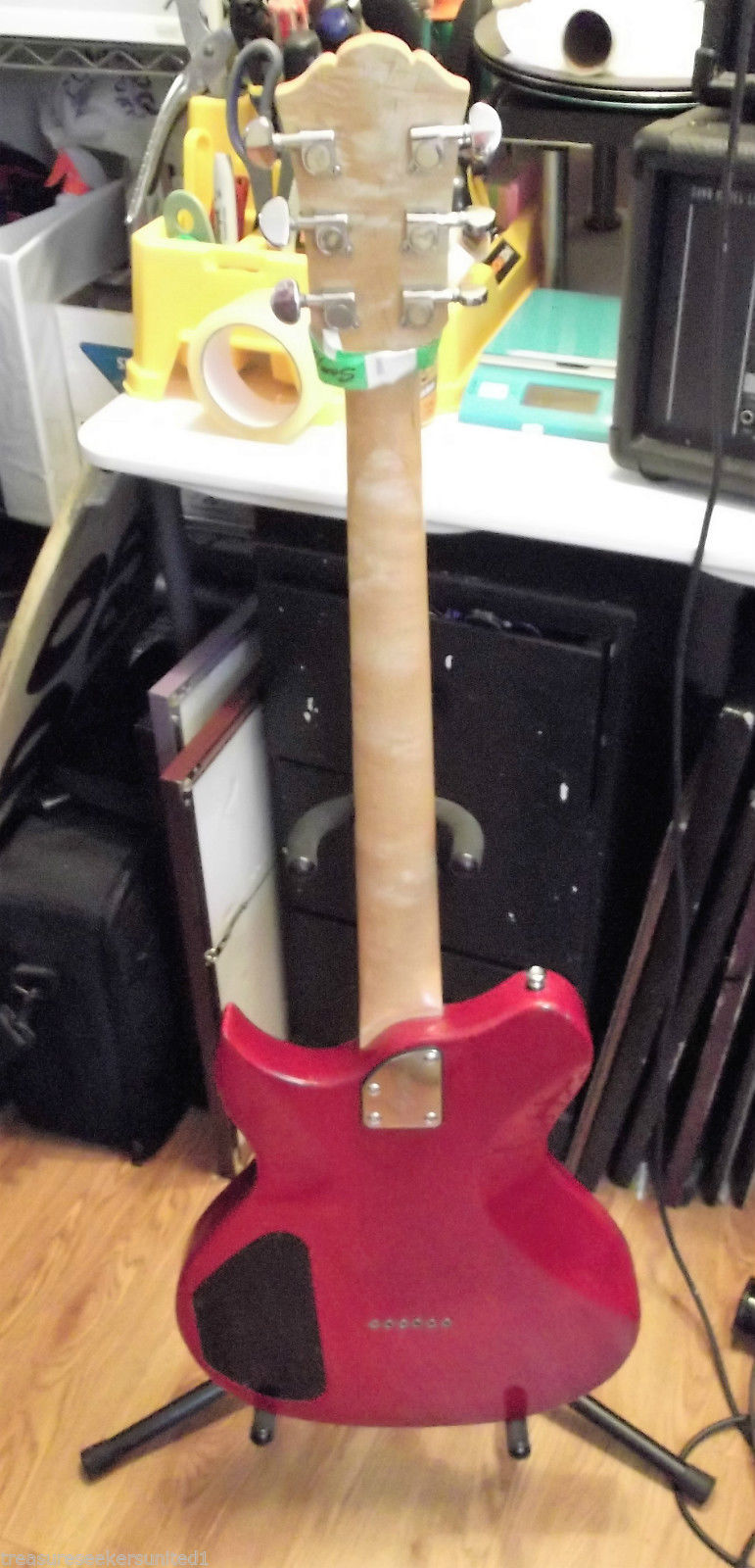 lyon by washburn li15 red electric guitar clean and new. Black Bedroom Furniture Sets. Home Design Ideas