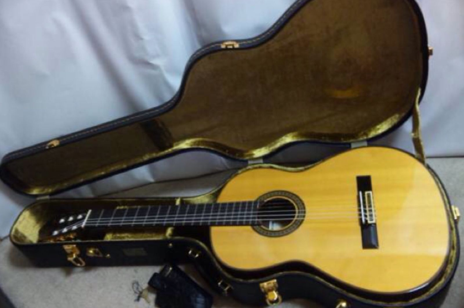 1979 YAMAHA GC-10 Grand Concert By EZAKi Classical Acoustic Guitar With H/Case
