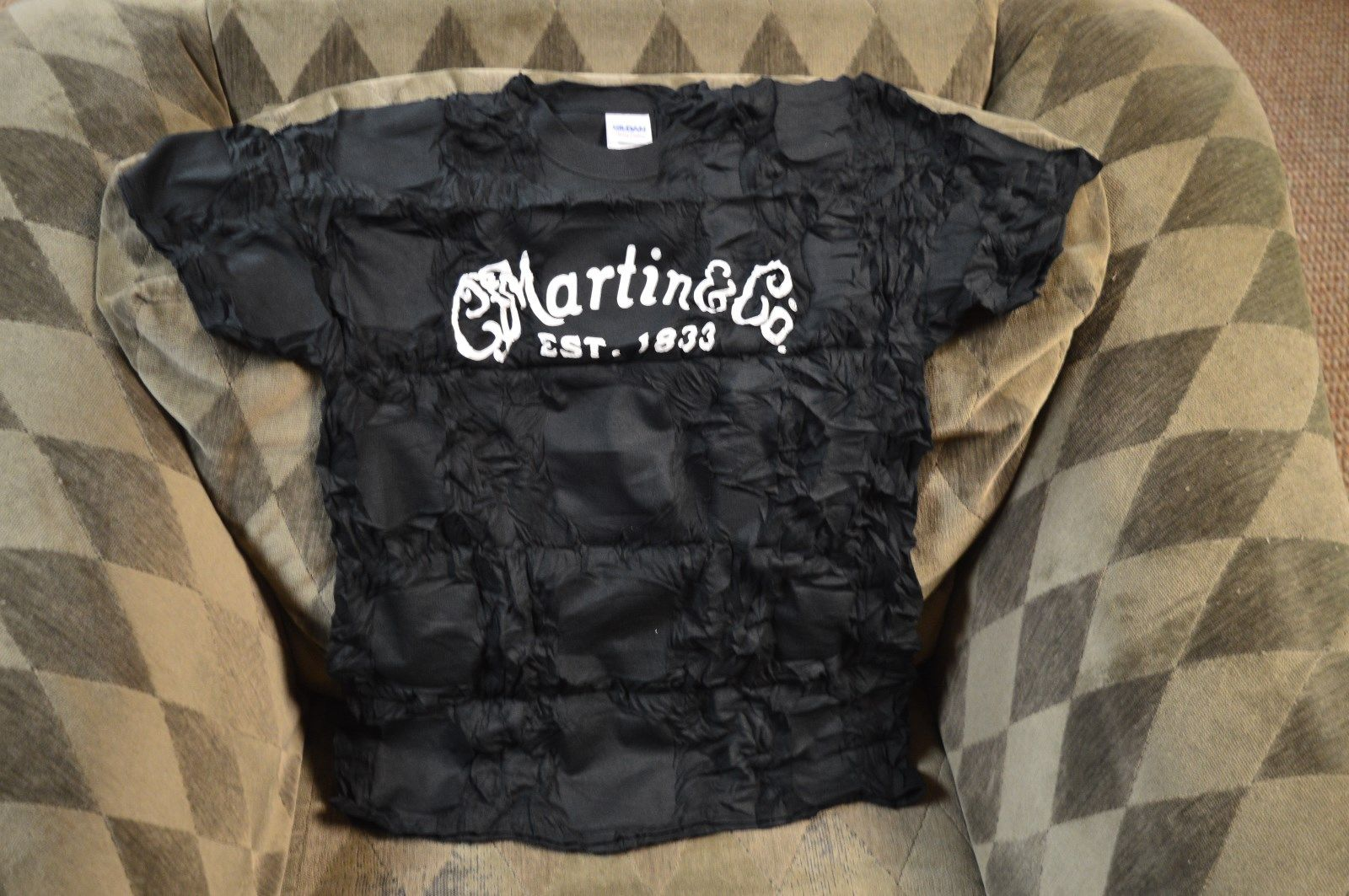 Martin & Company Guitar Logo est 1833 L black Vacuum sealed T-Shirt authorized