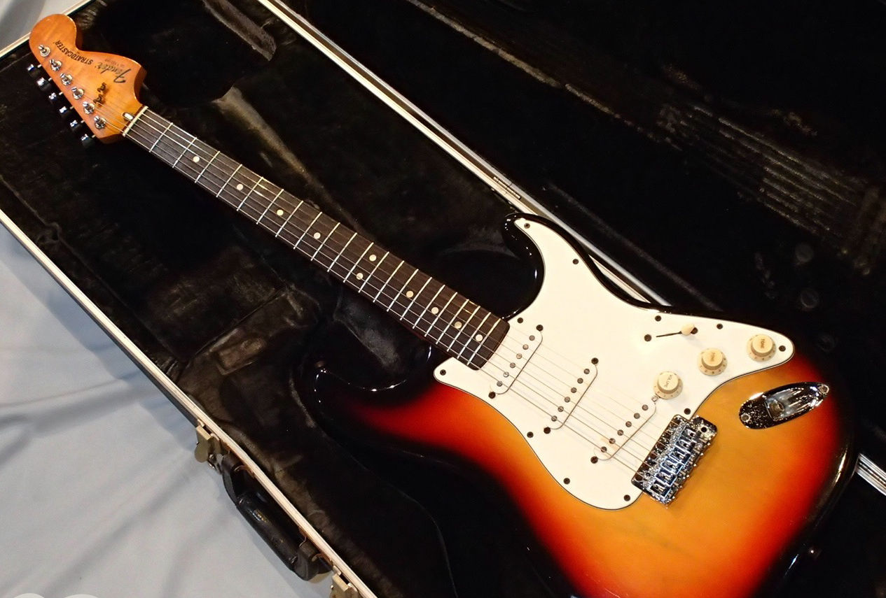【Vintage】Fender Stratocaster 1980 FREESHIPPING from JAPAN