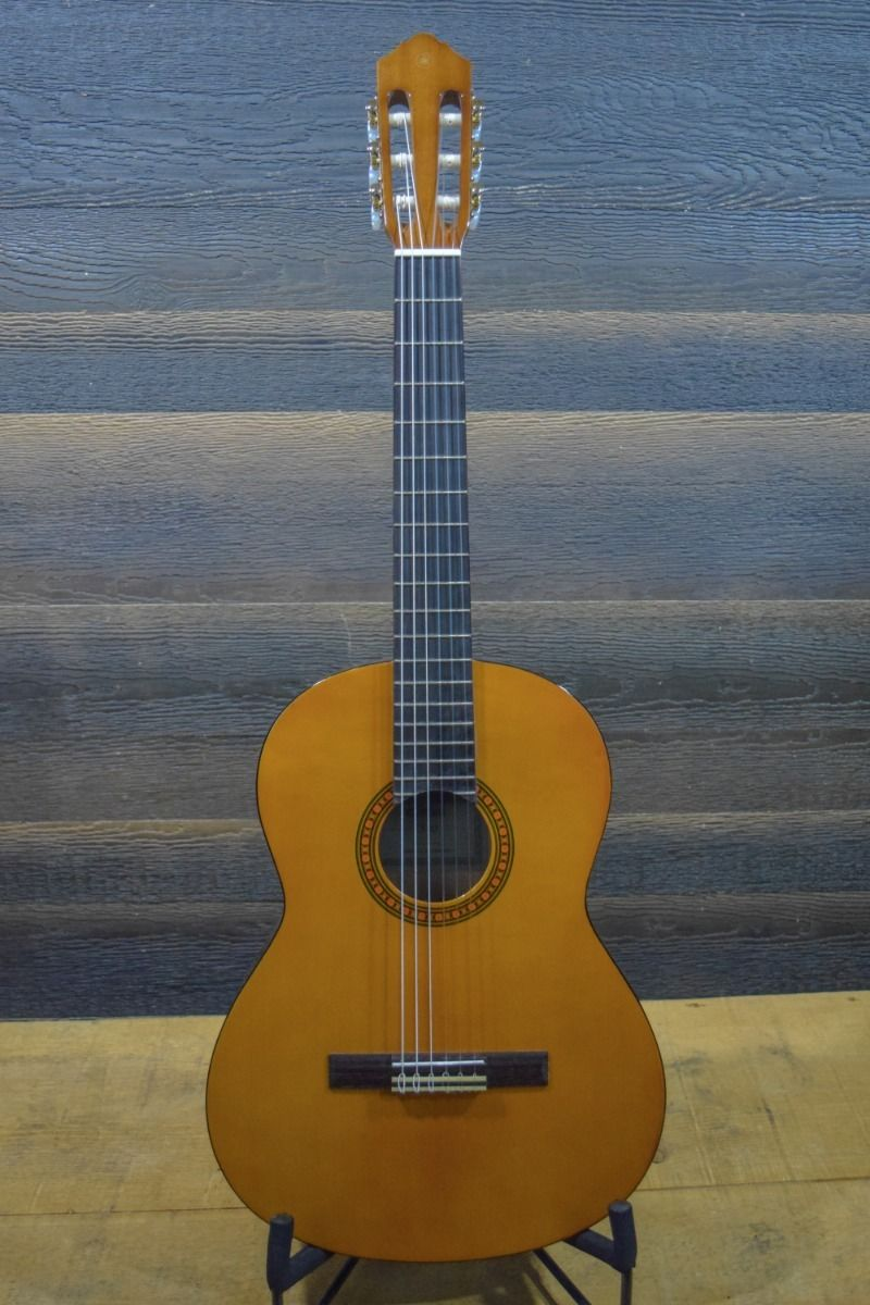 Yamaha C Series CS40 7/8 Scale Classic Nylon String Classical Guitar
