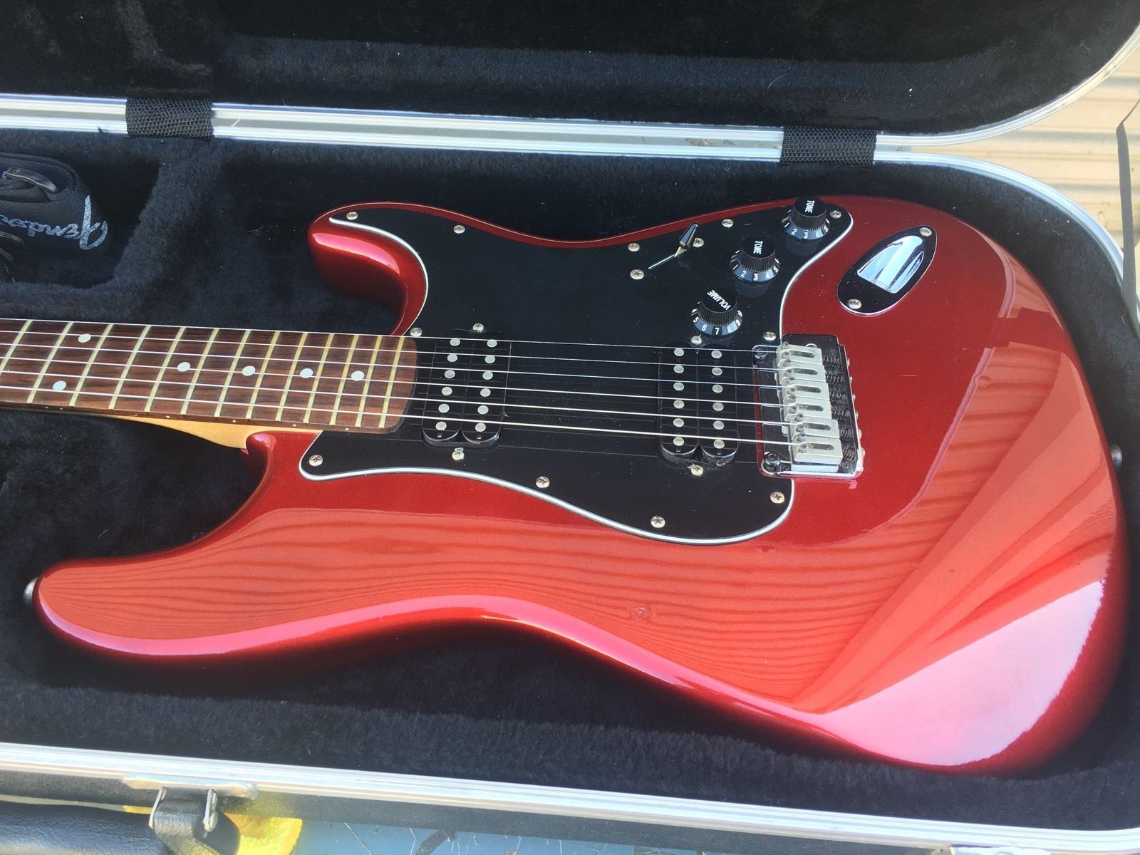 Fender Stratocaster Squier Standard Cherry Red 20th Anniversary Guitar W Case!