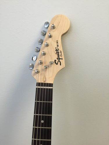 Fender Squier Stratocaster Mini w/Gig Bag