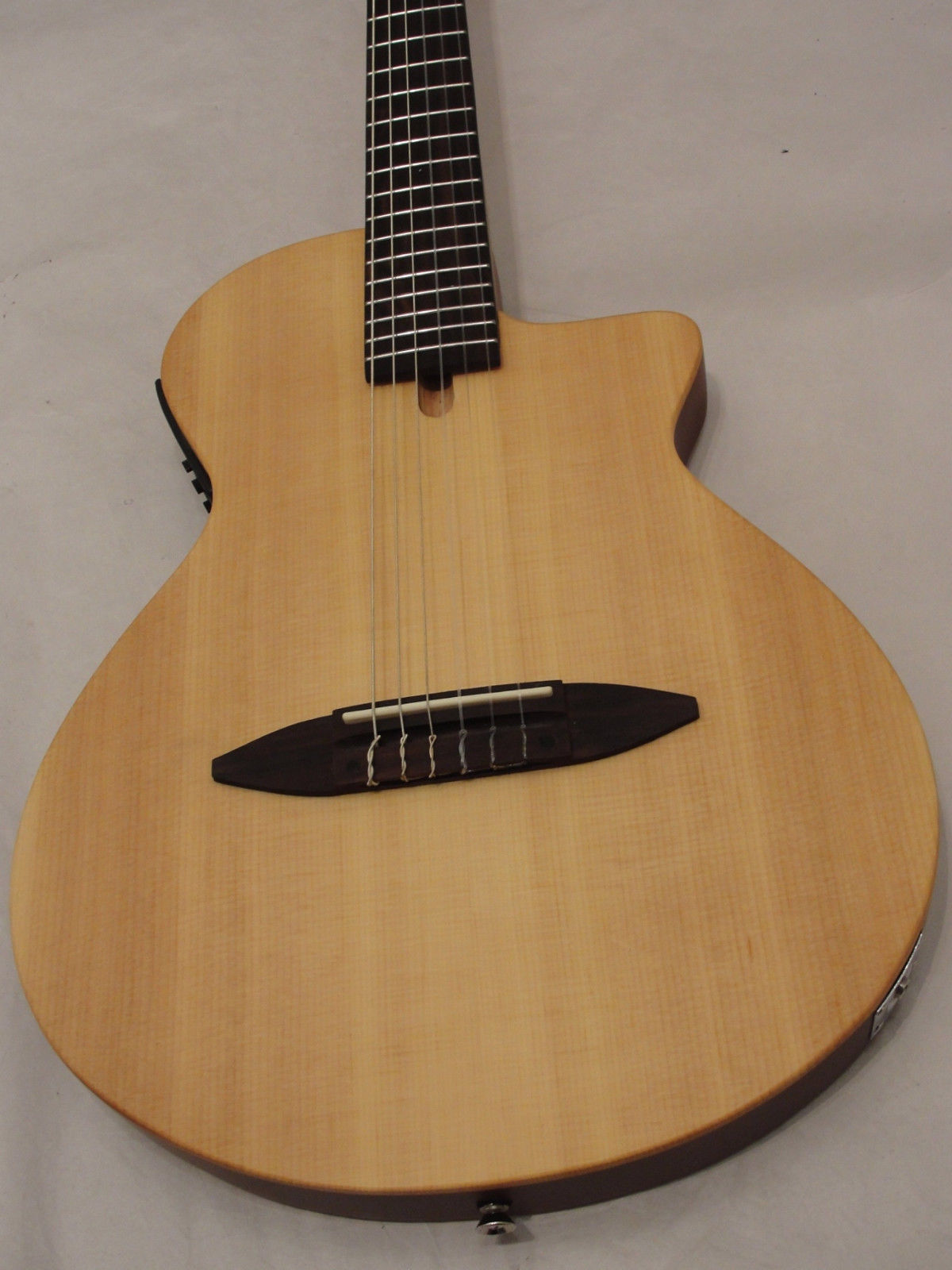 "Antonio Hermosa AH-50 CHAMBERED 2"" THIN BODY ACOUSTIC ELECTRIC CLASSICAL GUITAR"