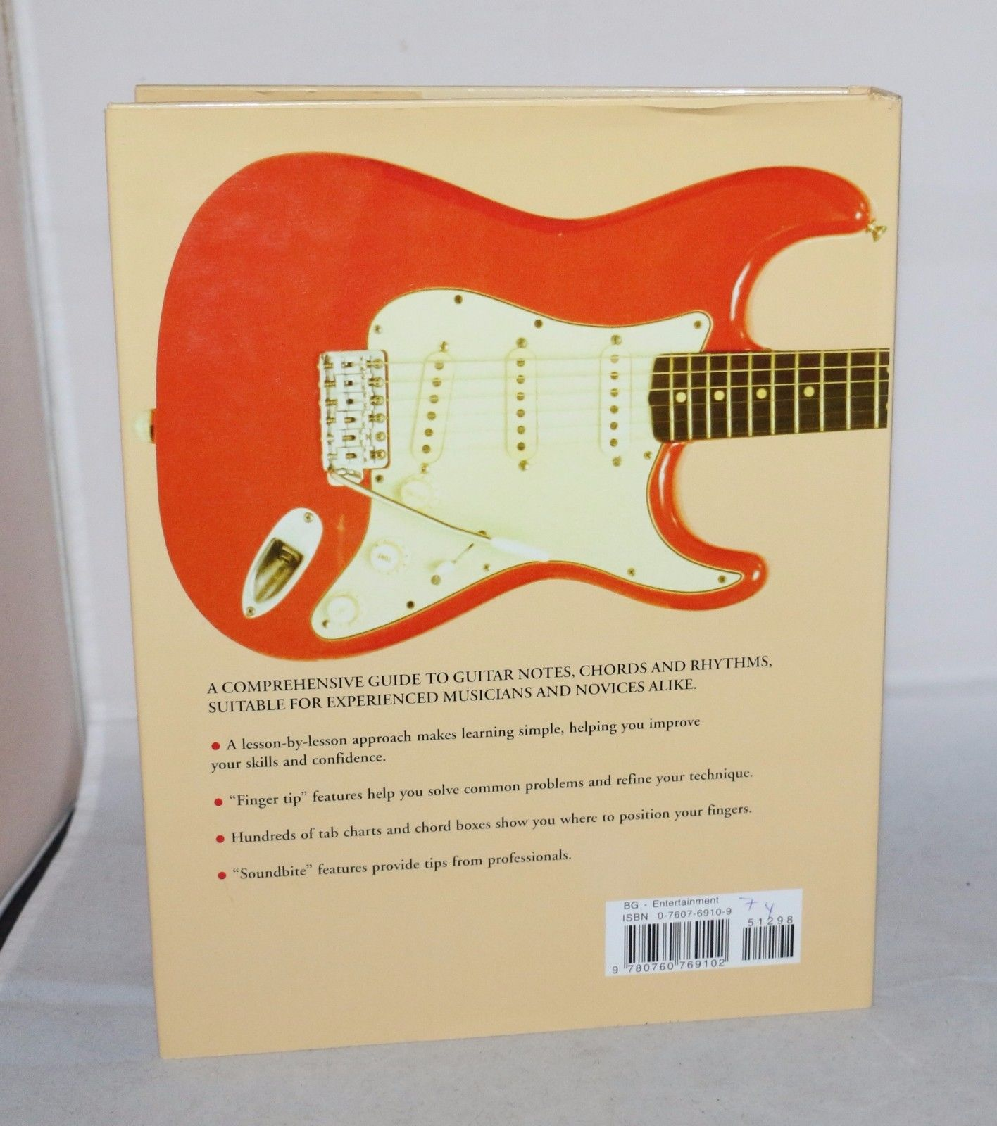 """Play Guitar"" Book Rock, Folk & Classical Hard Cover w/39 Quick Ref Chord Charts"