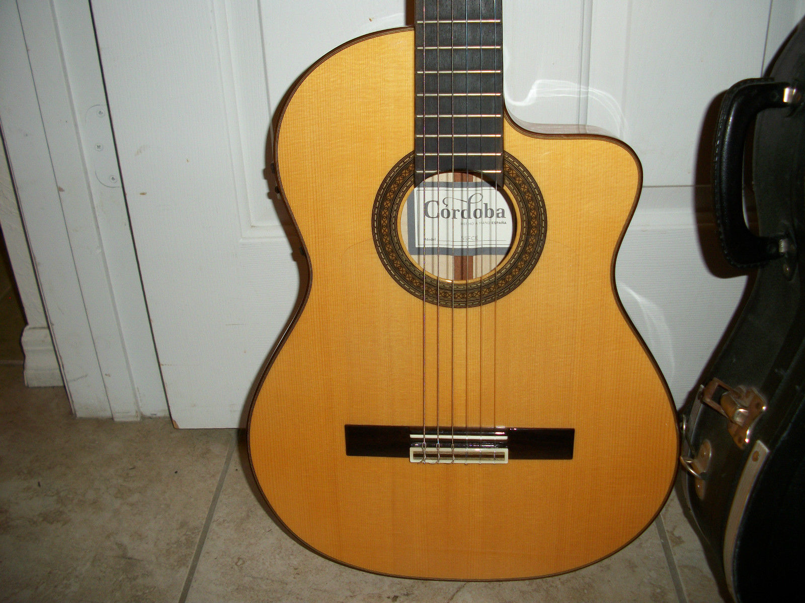 Cordoba 55FCE Reissue Acoustic-Electric Thinbody Flamenco Guitar with Hard Case