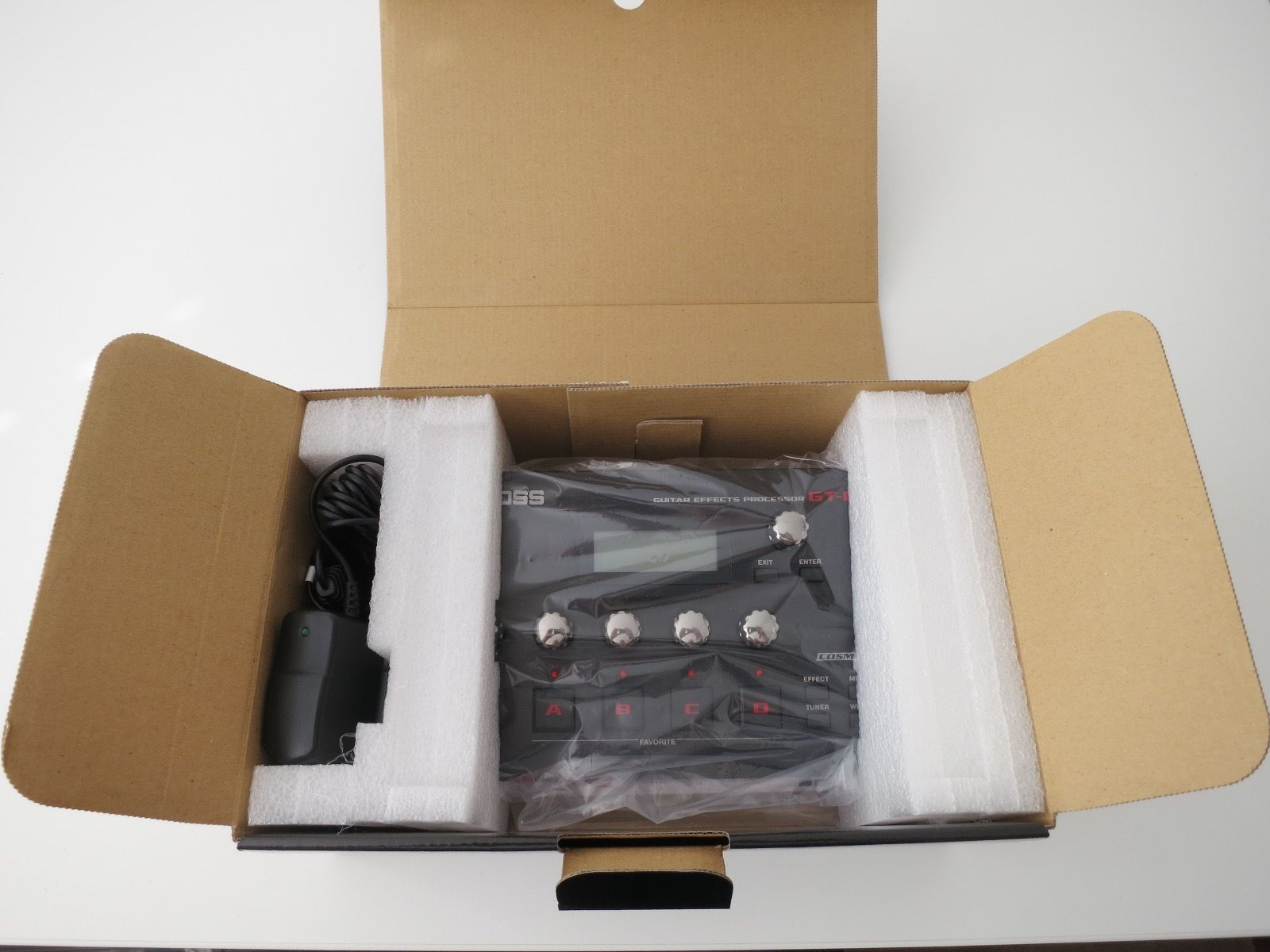 boss gt 001 guitar effects for pc mac new guitar of china. Black Bedroom Furniture Sets. Home Design Ideas