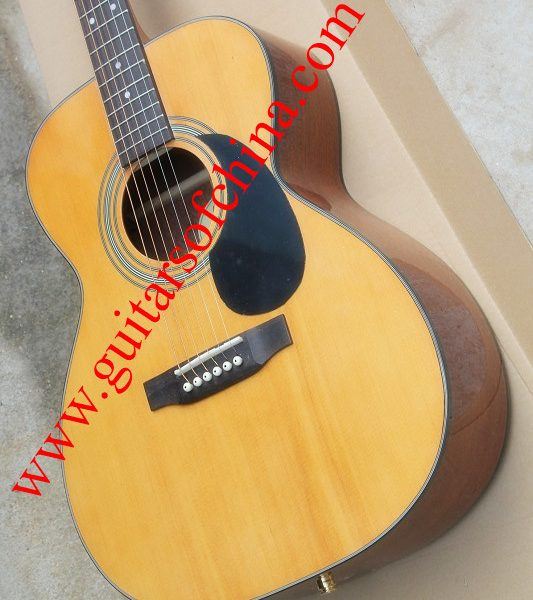 Martin 000 28s vs om28 auditorium acoustic guitar (2)